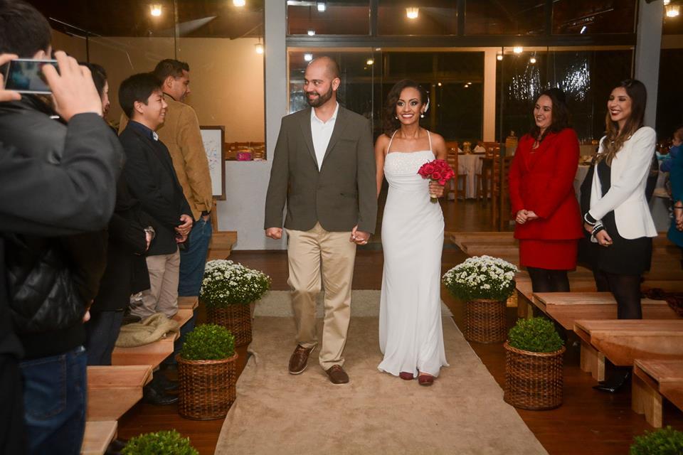 Entrada dos noivod Casamento Eric e Rafaely Duo Cacao Cascata de Chocolate Curitiba