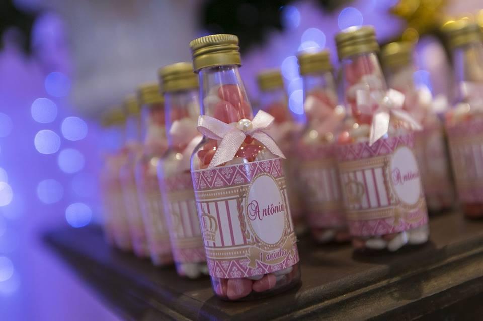 garrafa com doce personalizada festa de um ano duo cacao cascata de chocolate curitiba